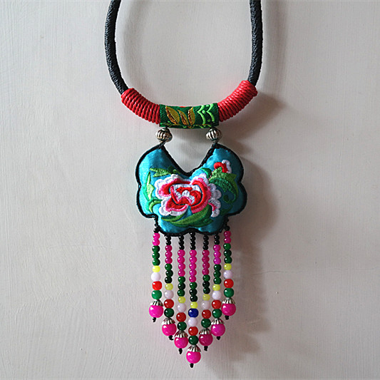 原创新款夸张民族风双面绣花项圈 独特 个性饰品 杨丽萍风格配饰