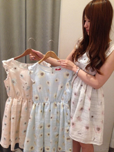 Panels, EME grain Daisy flowers printed pure and fresh and sweet elastic waist fly temperament of sleeve chiffon dress