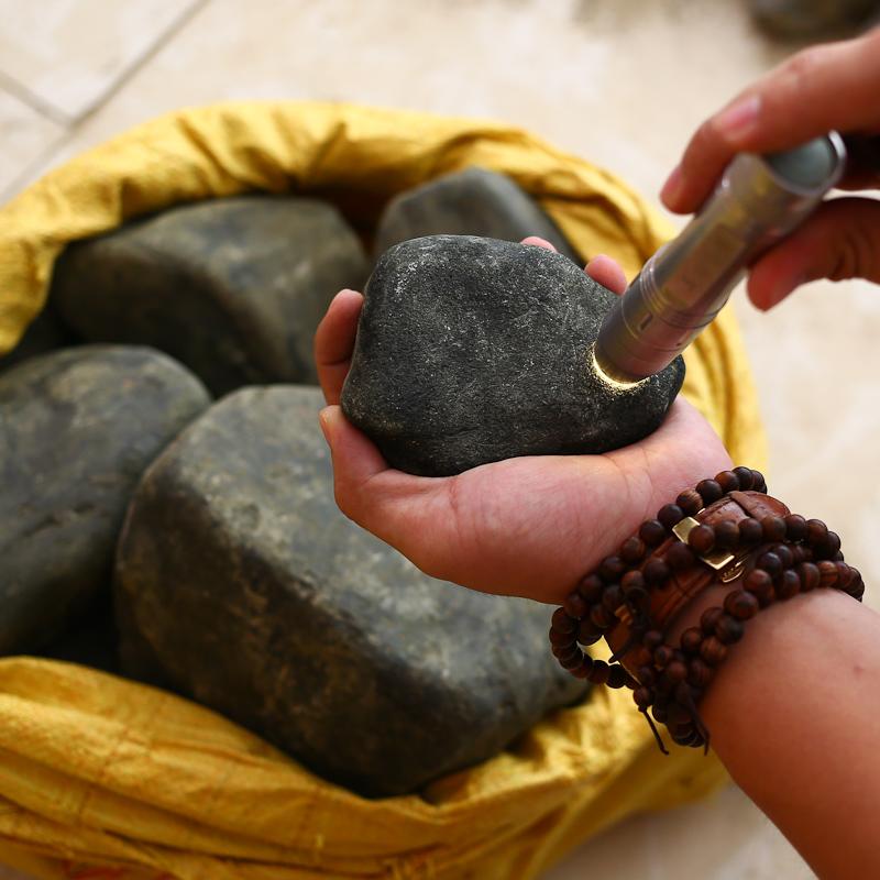 缅甸天然翡翠原石玉原石会卡木那黑乌沙莫西沙胶带料蒙袋料公斤料