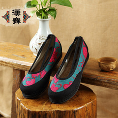Chinese dance authentic retro Melaleuca at the end of the old Beijing cloth shoes in the summer folk style flat with light embroidered shoes women love flowers