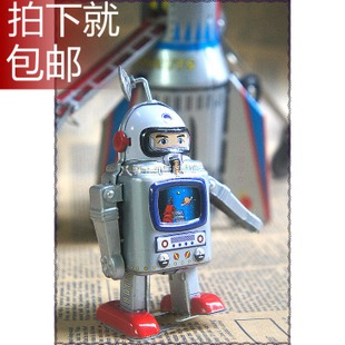Astronaut Shenzhou launch on the 10th clockwork toy tin toy model rocket rocket astronaut missing