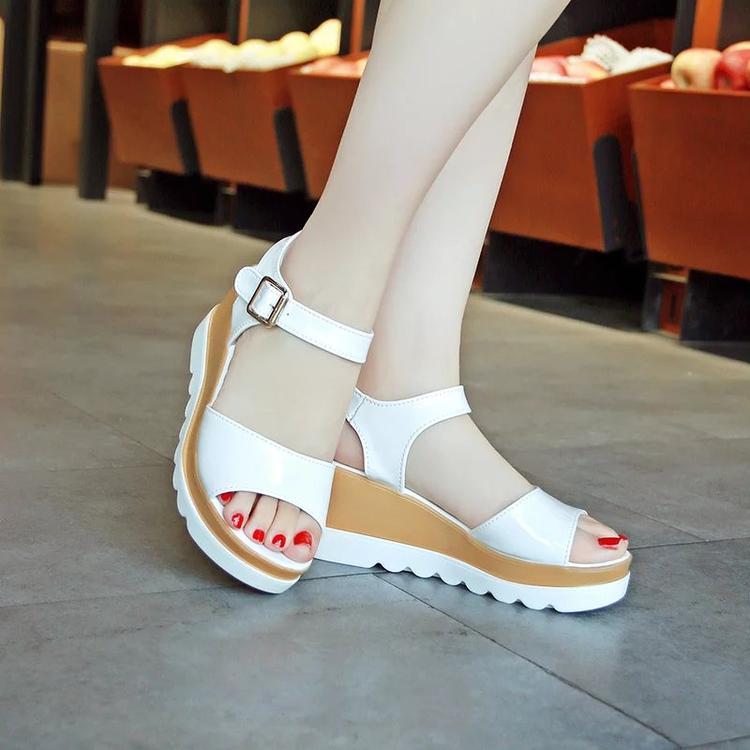 网红凉鞋女仙女风ins潮增高超火2020新款厚底简约时尚中跟女鞋子