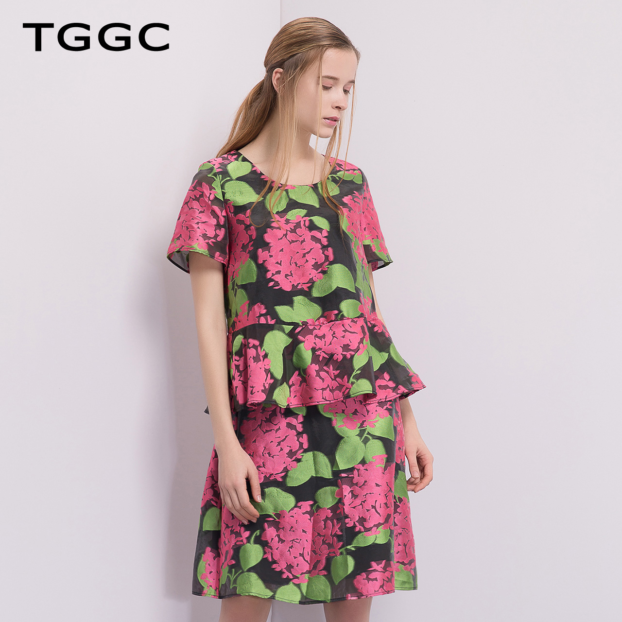TGGC 2018夏装 时尚OL气质提花短袖高腰显瘦连衣裙女 F20636