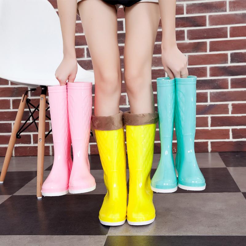 Разместить новый Корейский моды сапоги дамы дождя сапоги и вата желе обувь многоцветной скольжения в трубе высокой воды