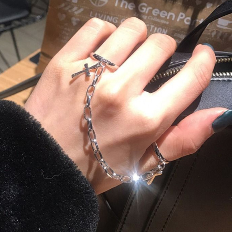 Adjustable knuckle ring mens and womens hip hop nightclubs Gothic clothing accessories fashion Korean version ins personalized ring chain