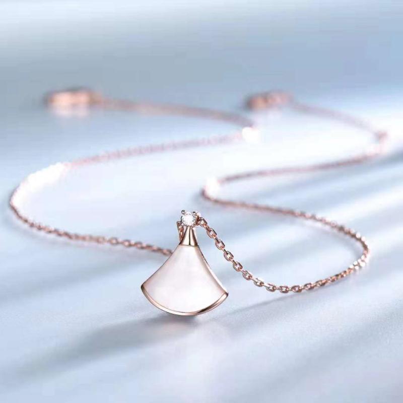 [简植项链]小裙子扇形项链女纯银锁骨链贝壳吊坠白月销量830件仅售158元