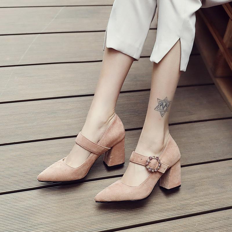 2019春新款甜美粗跟扣带玛丽珍女鞋子时尚高跟尖头大小码少女单鞋