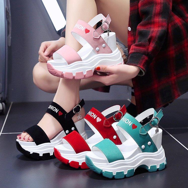 坡跟仙女风夏季2020新款松糕凉鞋