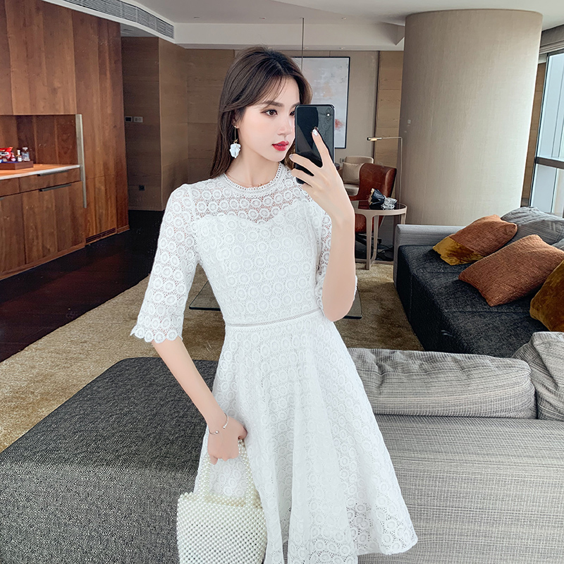 20 summer new white dress small French lace hook flower round neck 5-sleeve sweet fashion womens dress a