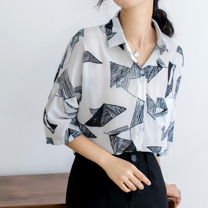 简约休闲几何图案印花雪纺衬衫女夏日2020新款chic慵懒风短袖衬衣