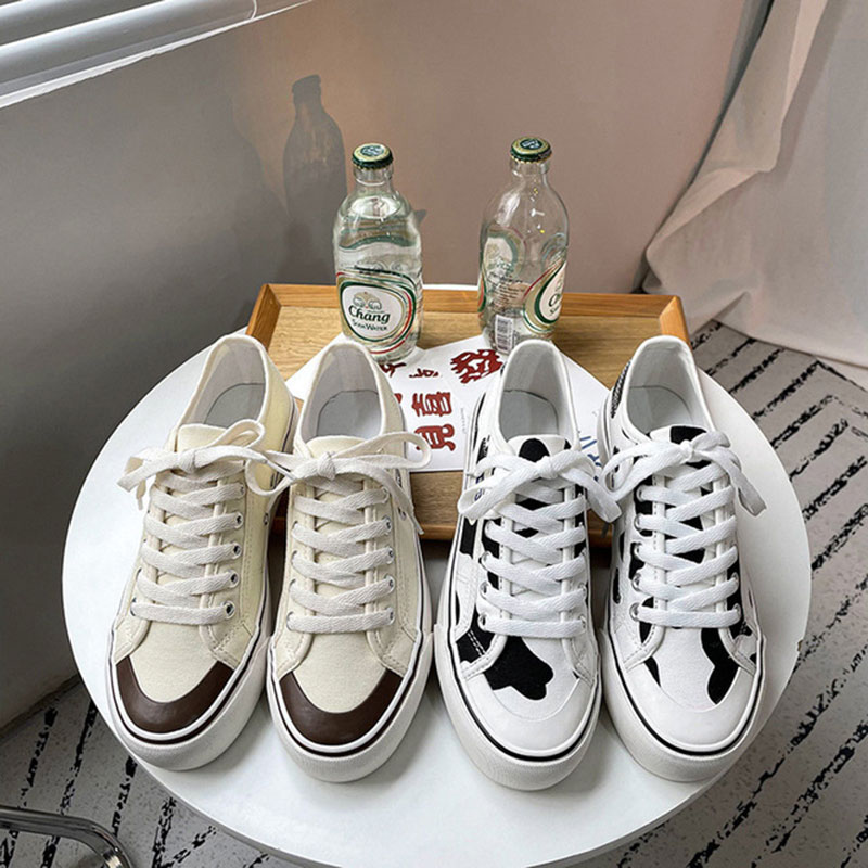 Retro 2021 new trend domestic dairy printing fashion womens shoes student breathable canvas shoes low top board shoes