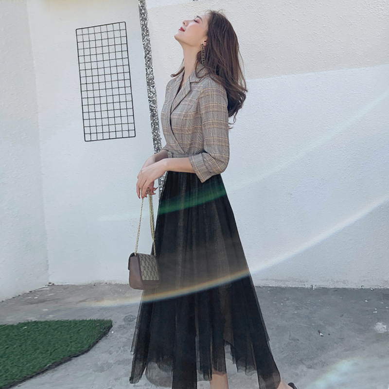 Temperament dress women 2020 spring dress Korean new style versatile irregular mesh skirt splicing Plaid suit woman