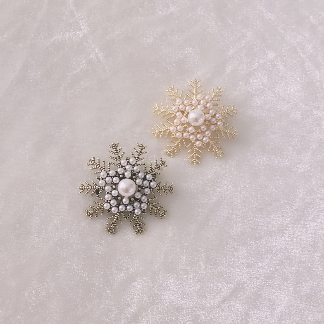 Japanese and Korean popular pearl snowflake Brooch female exquisite versatile ancient bronze clothing accessories brooch pin clasp Retro