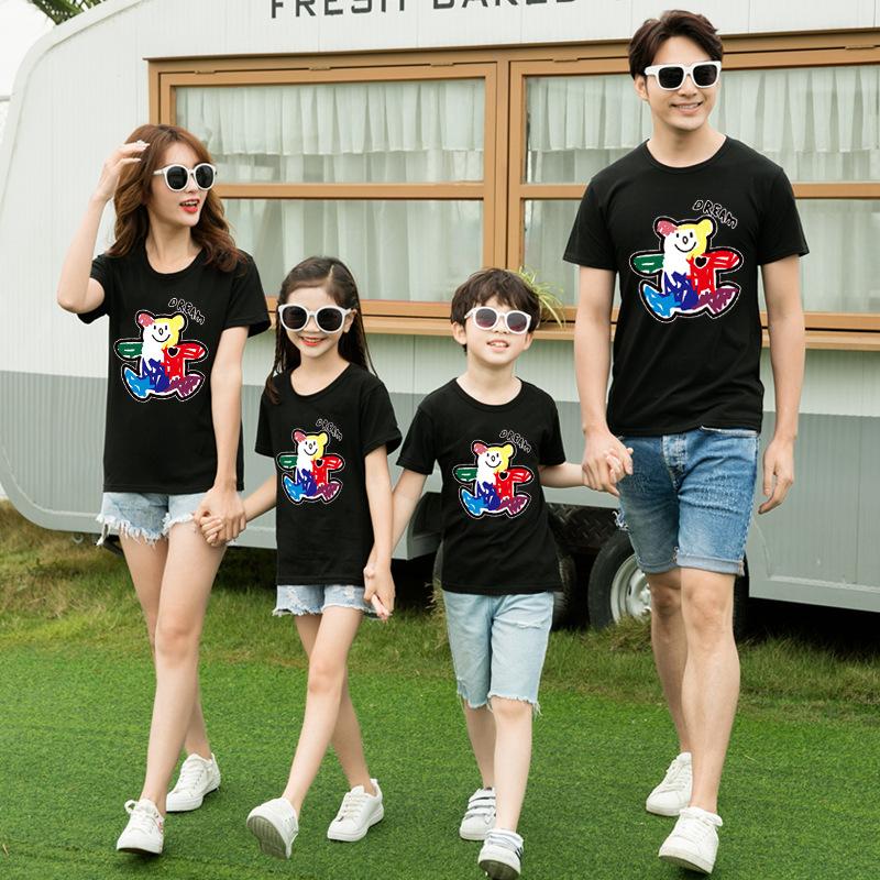 2021夏の新型の純綿親子のファッション親子の家族は家族三人のカップルの半袖Tシャツを着ます。