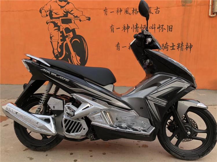 满200.00元可用1元优惠券二手正品泰国人妖进口弯刀摩托车