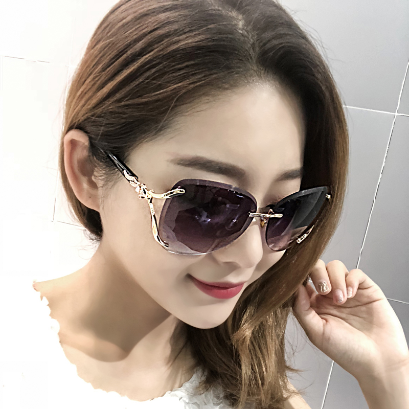 2018 new rimless round face Sunglasses Womens long face star fox head Sunglasses Womens big face elegant