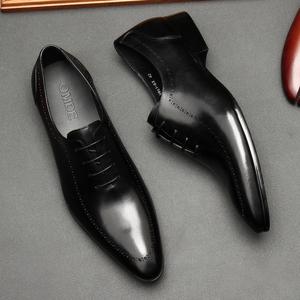新款春夏布洛克男鞋真皮透气男尖头雕花商务正装皮鞋英伦单鞋子男