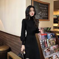 秋冬2019新款裙子长款收腰黑色连衣裙女气质中长款过膝打底针织裙