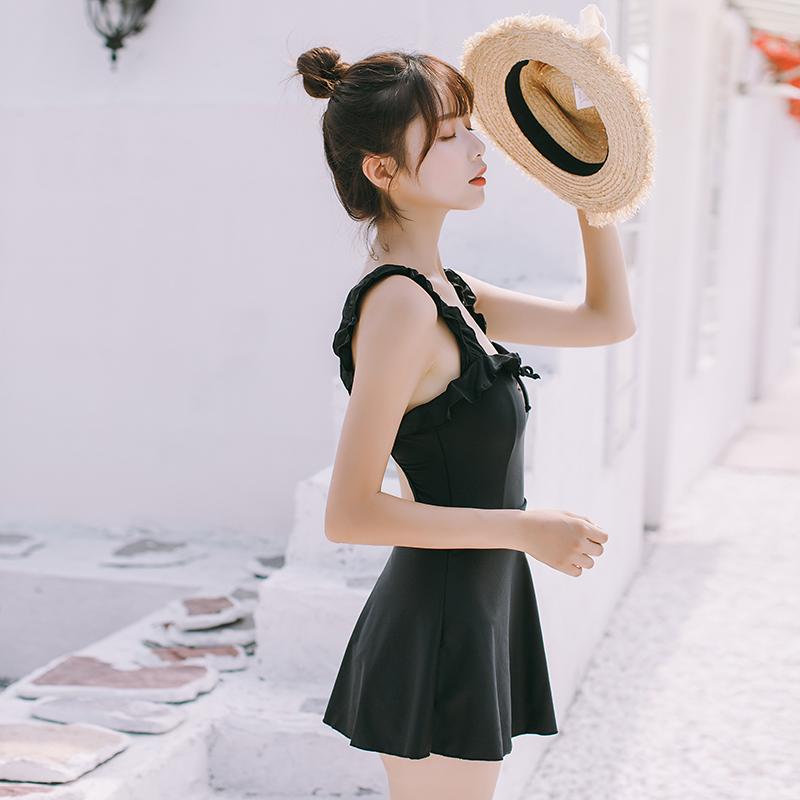 莱曼娜游泳衣女连体裙式遮肚保守显瘦木耳边露背黑色性感温泉装