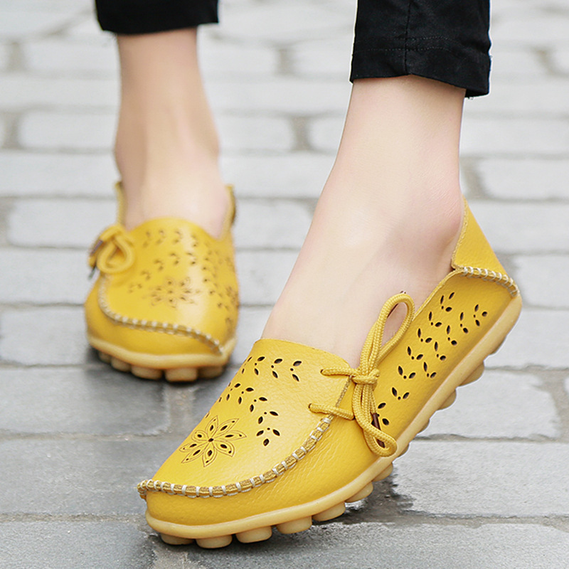 Factory direct sales new hollow leather hole shoes low top flat bottom bean shoes casual nurse shoes large size womens shoes 44