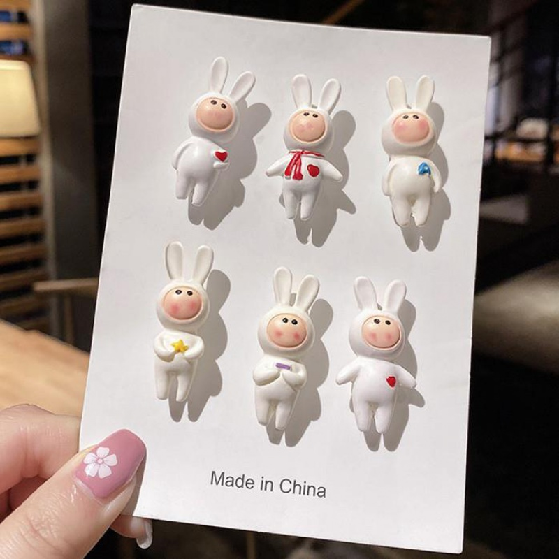 Rabbit Brooch Cute Japanese ins fashion personality pin cute small accessories pin cartoon badge accessories
