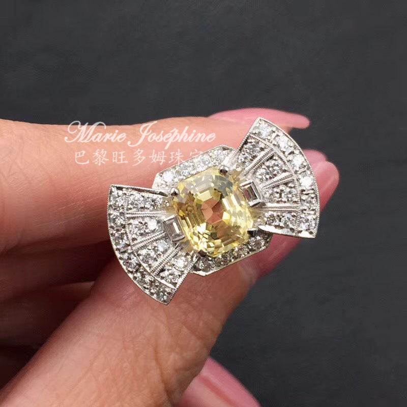 Paris wangdom jewelry 18K Gold flameless Yellow Sapphire Diamond bow style vintage Dong Feng ring