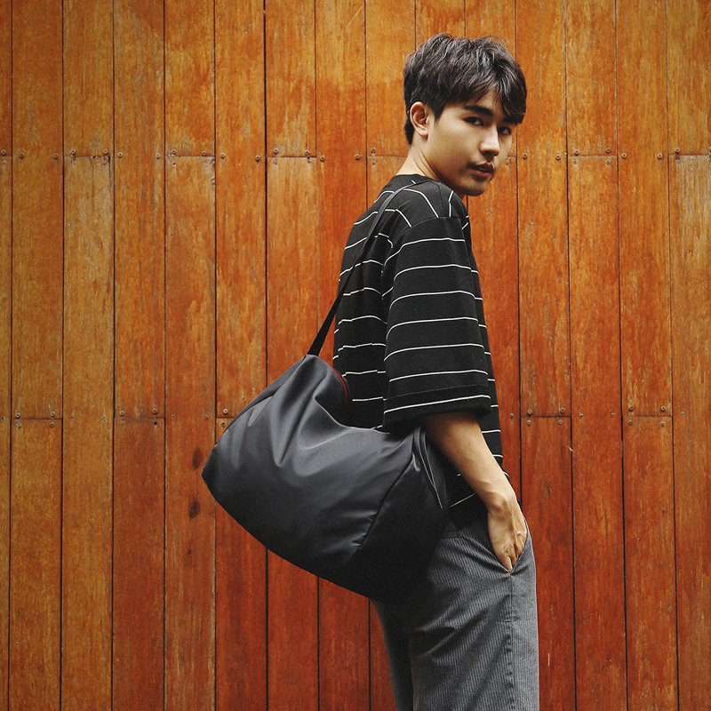 Chihang large capacity sports fitness bag mens leisure nylon bag student bag travel womens Fashion Shoulder Bag Messenger Bag mens