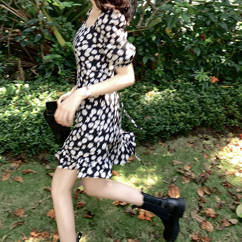 FFAN泛泛 小雏菊连衣裙女2020春季新款法式复古修身碎花桔梗裙