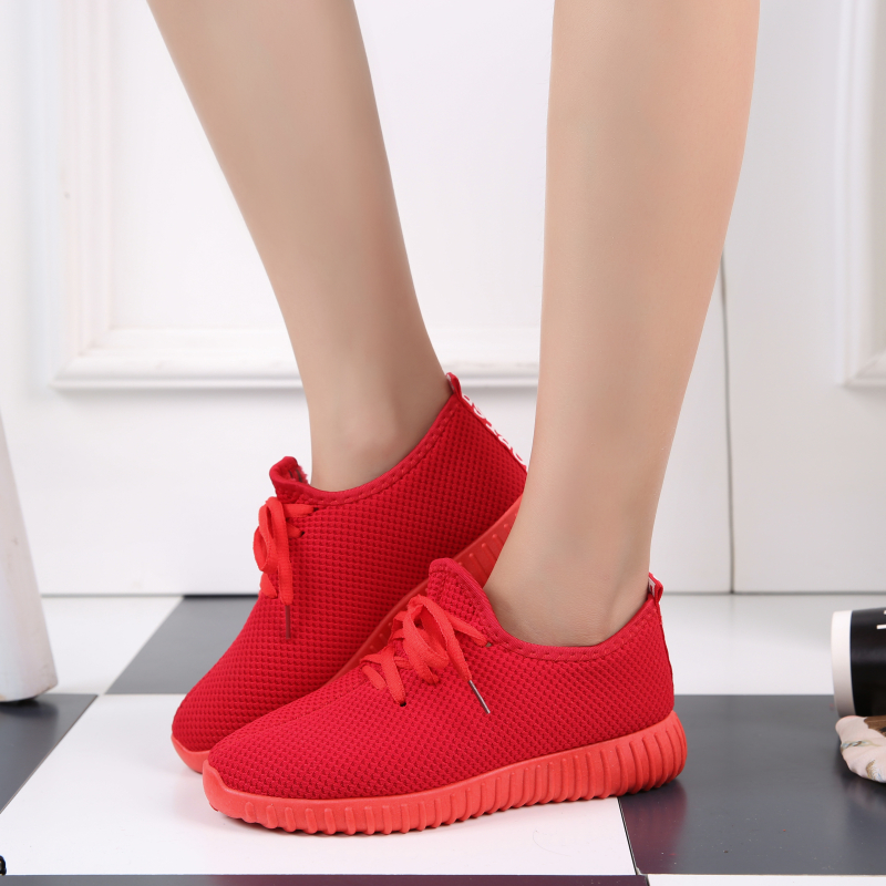 Spring and autumn new old Beijing cloth shoes womens shoes breathable and comfortable sports shoes running shoes casual lace up small red shoes single shoes