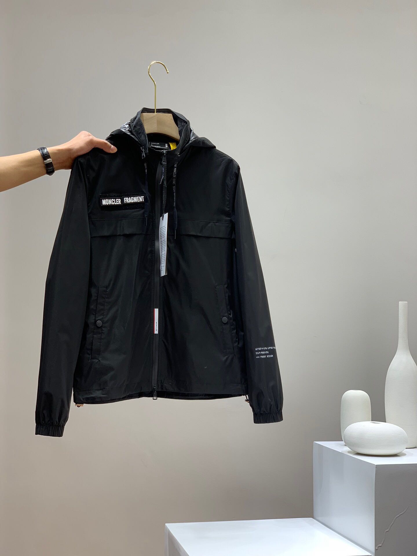 Spring European and American style show style versatile new hooded simple windproof outdoor mens jacket