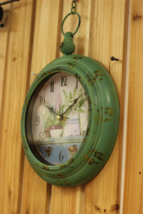 Cafe Bar decorative wrought iron wall clock retro hanging chain round green box