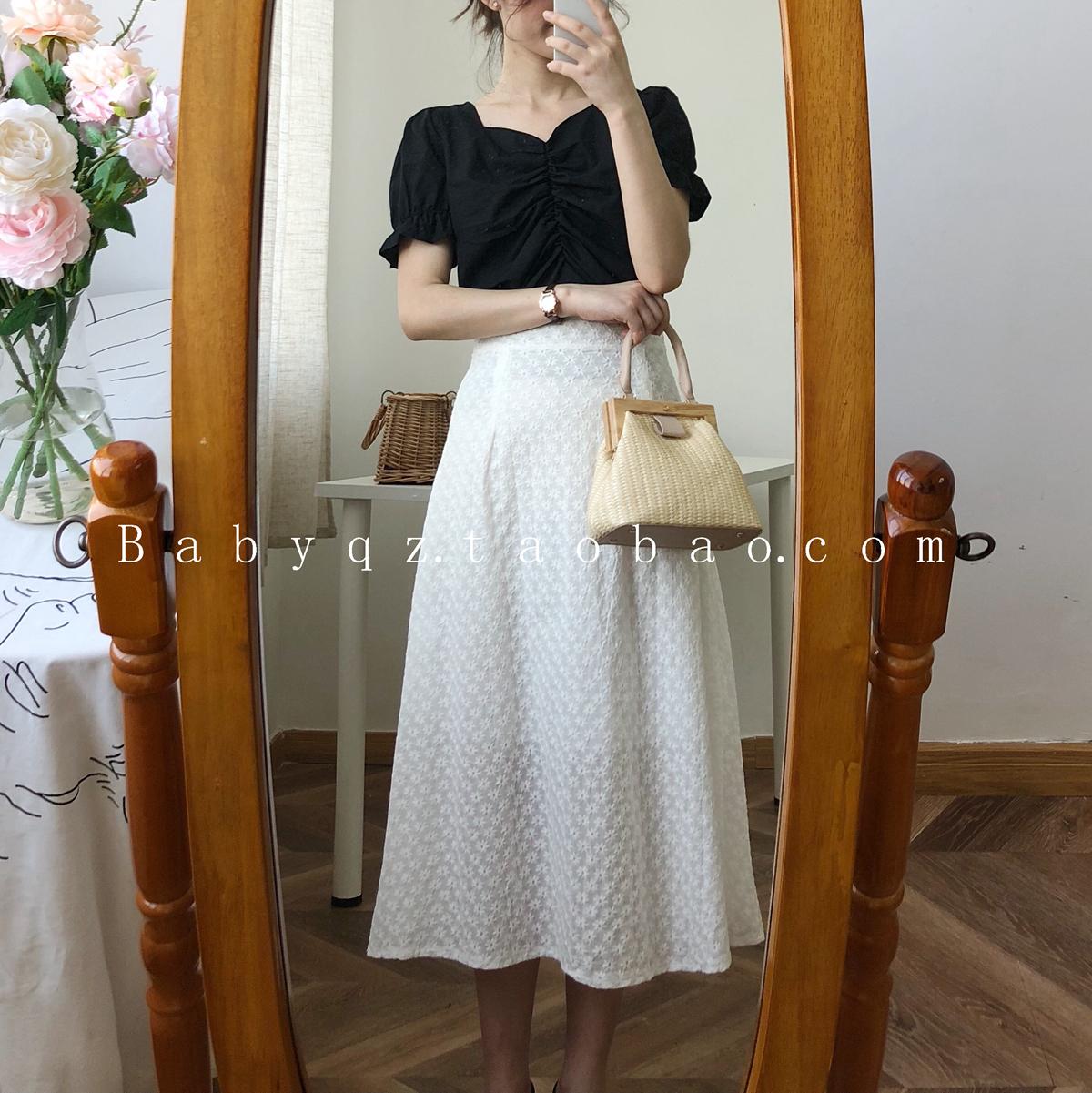 韩国气质胸口褶皱泡泡袖纯色衬衣+高腰白色勾花刺绣中长款半身裙