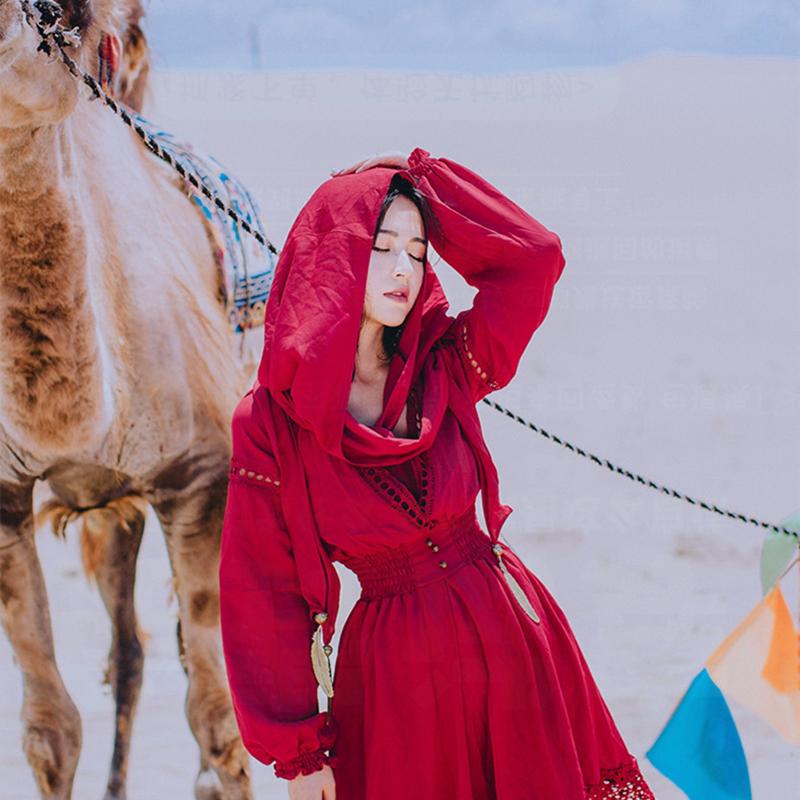 西藏旅游穿搭服装女茶卡盐湖青海湖草原拍照连衣裙异域风沙漠红裙