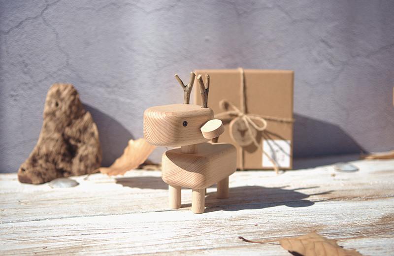 山间木语 手工 实木 木制 木质 小鹿 装饰 摆件  拍照 背景 礼物