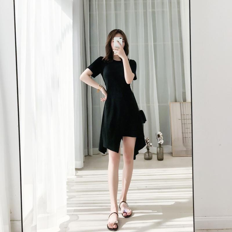 黑色连衣裙2020新款夏季女设计感气质修身中长款不规则裙子小黑裙