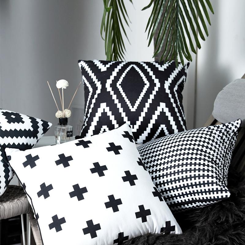 瑟姿 北欧条纹沙发抱枕靠办公室椅子黑白毛绒靠枕居家含芯