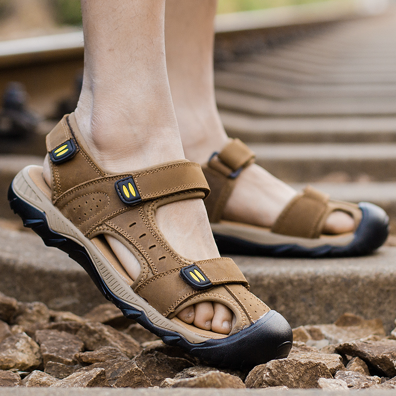 Summer oversized Baotou sandals mens 45 46 47 48 leather fattened and widened oversized dad beach shoes