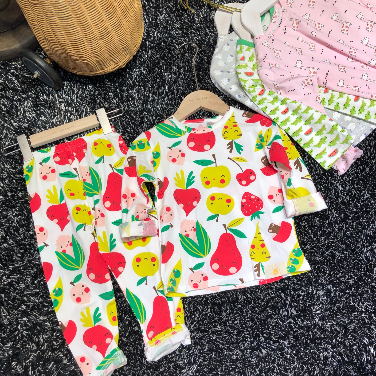 Super sweetheart spring and summer 2020 new boys and girls home wear set Korean high grade pajamas childrens cotton underwear