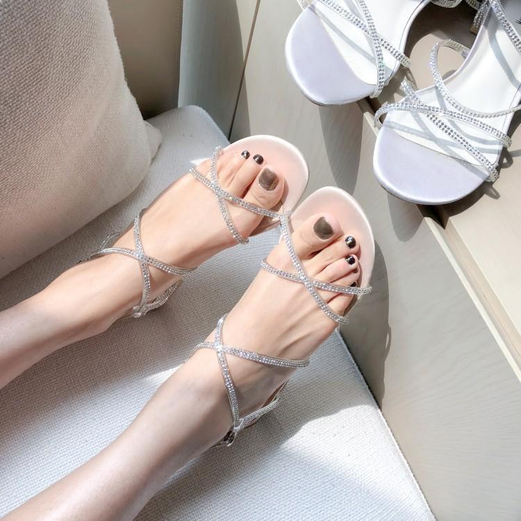 Korean version of summer simple wind open toe sandals fairy wind seaside holiday with womens shoes diamond buckle shoes
