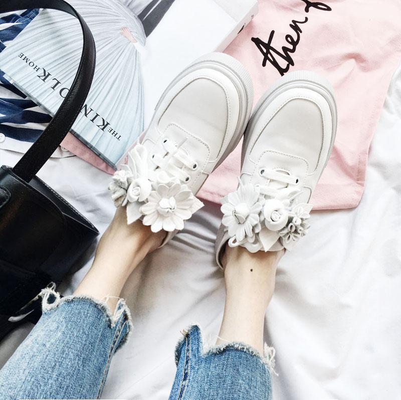 2019新款韩版立体花朵包头女小白鞋券后138.00元
