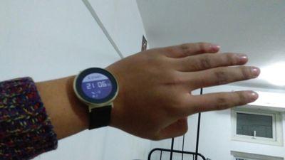 入手:华为荣耀手表S1心率监测游泳防水运动计步器感受