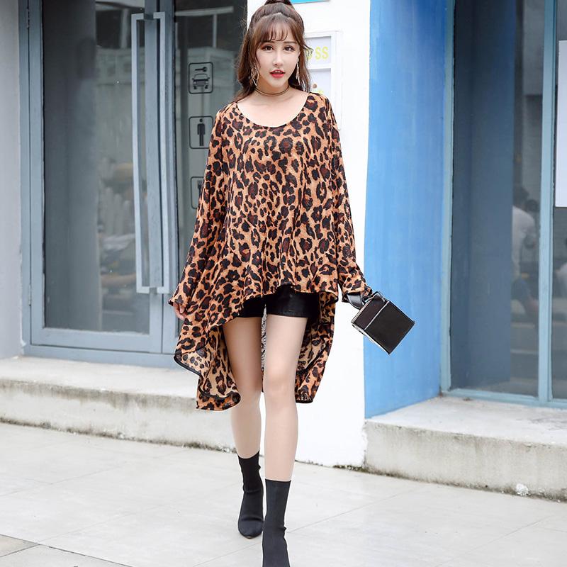 长袖t恤女帅气中长款2018新款 宽松韩版圆领显瘦豹纹前短后长上衣