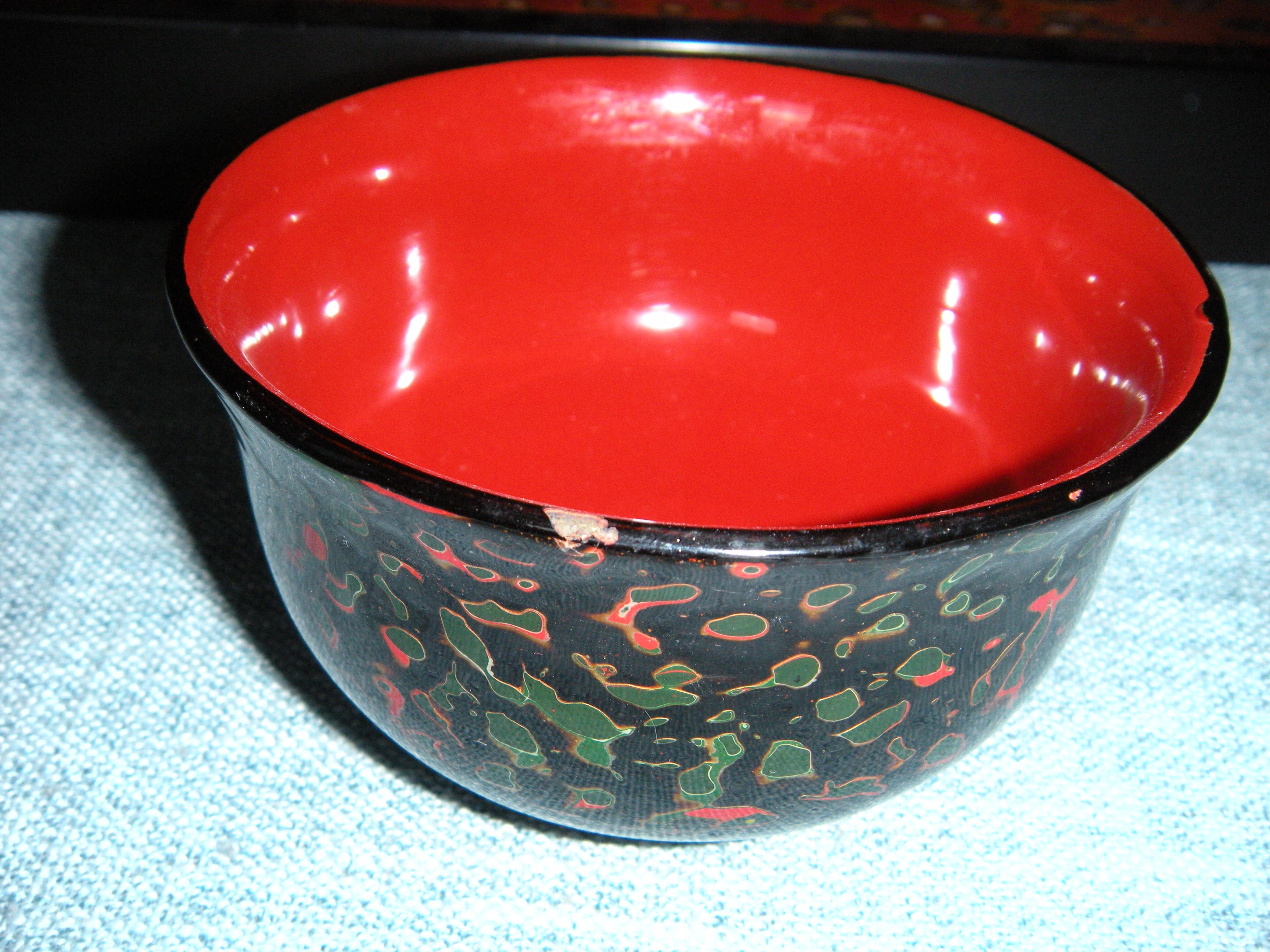 清仓*碰伤缺漆瑕疵木胎漆器绿虫碗/随机发货以收到实物为准