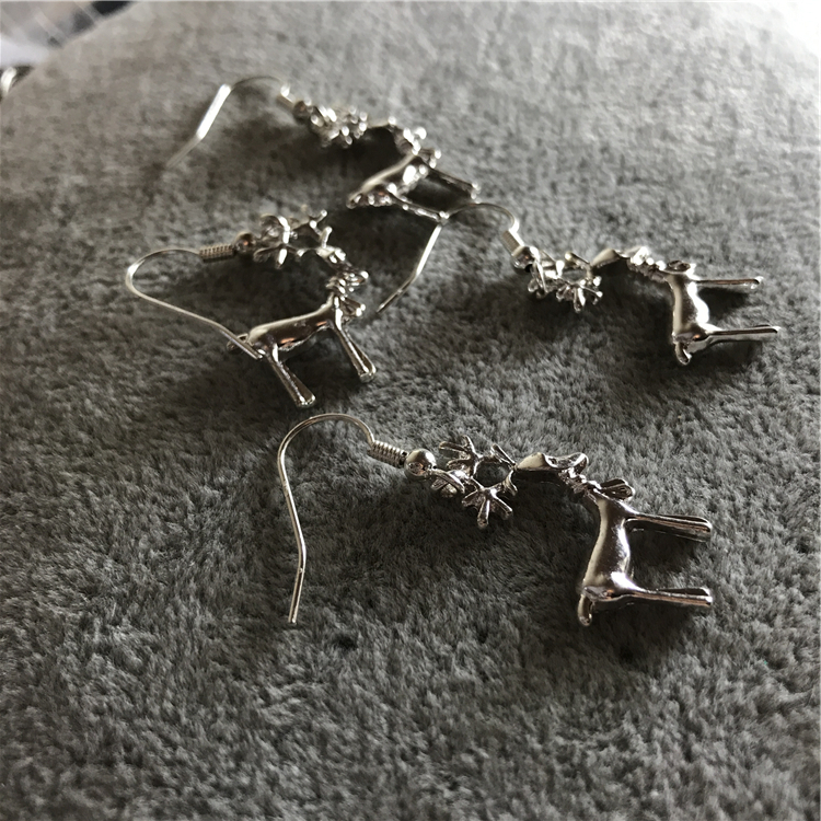 GD European and American ancient orphan inventory original single export Earrings Antique Silver lovely fawn Oh fawn