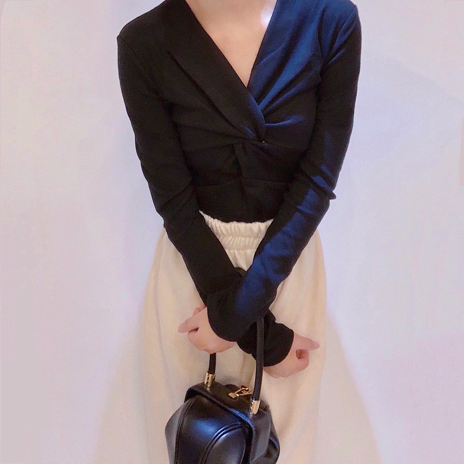 晚时光超显瘦的黑色V领长袖打底衫温柔女人味长袖T恤加厚磨毛衫