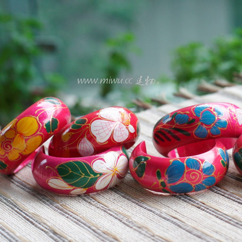 New products: 10% off ~ just like flowers blooming ~ imported hand-made wooden color painting lacquer art wide bracelet with unique national style