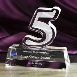 五周年店庆 五年老员工纪念品 订做水晶奖杯奖牌 数字5摆件 刻字图片