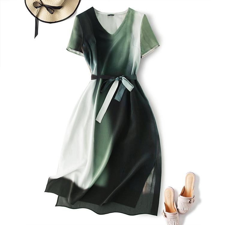 冷淡风长裙 桑蚕丝19姆米真丝水墨绿渐变V领短袖系带中长款连衣裙
