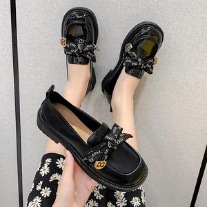 英伦平底方头小皮鞋女夏季薄款新款蝴蝶结乐福鞋一脚蹬软底jk单鞋