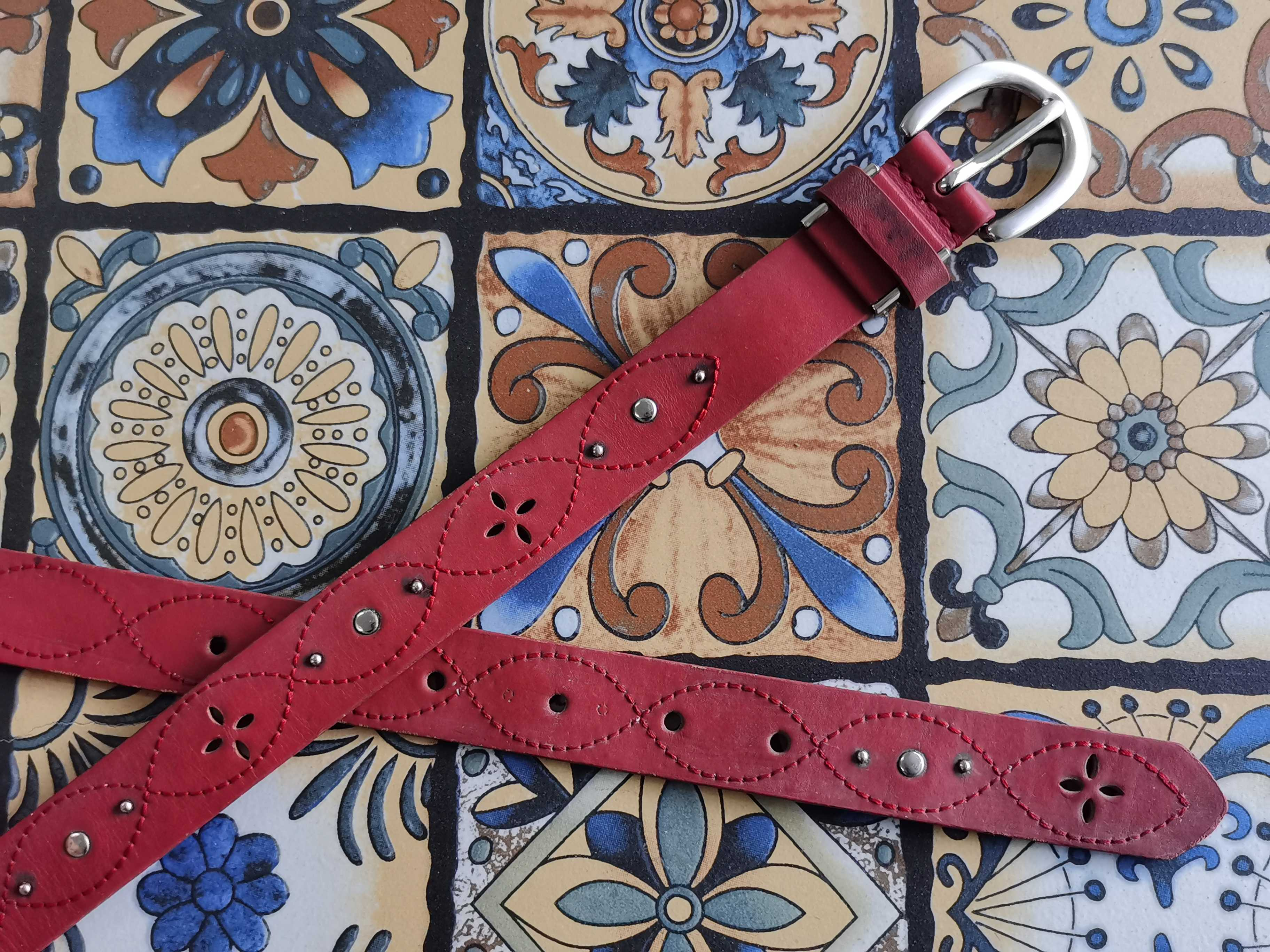 Oval silver pin buckle crimson thread inlaid with nails pure cowhide antique leisure belt belt belt for women